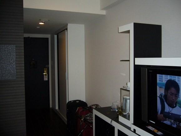 Cross Hotel Osaka Semi-double room_01