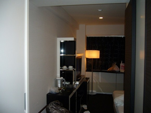 Cross Hotel Osaka Semi-double room_02