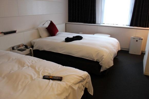 Cross Hotel Osaka Twin room_01