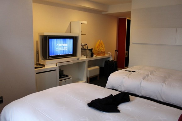 Cross Hotel Osaka Twin room_02