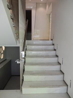 高雄御宿商旅-中央公園館_周邊環境_電梯_03